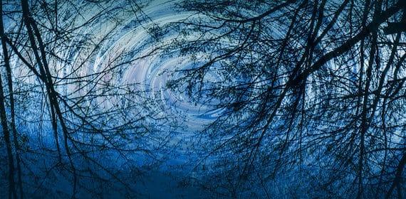«В тихом омуте» Пола Хокинс